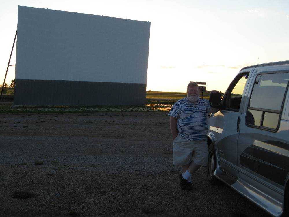 Superior 71: Proof positive that drive-in theaters are making a minor comeback (1/5)