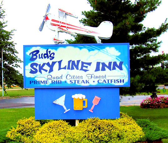 skyline airplane marquee1